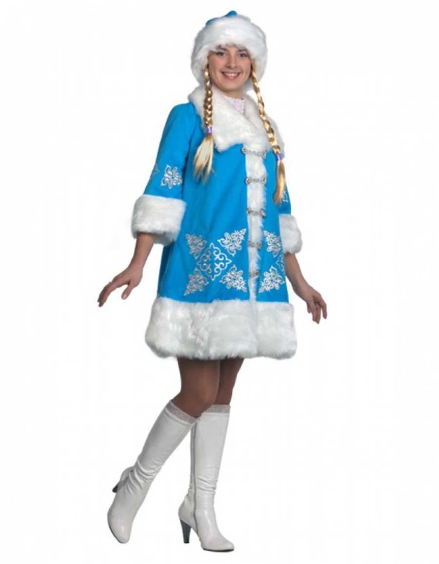 Снегурочка во весь рост в костюме Вышивка.