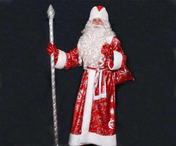 Костюм Деда Мороза с узорами.